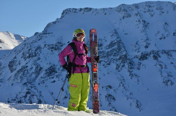 от чего зависит жёсткость лыж