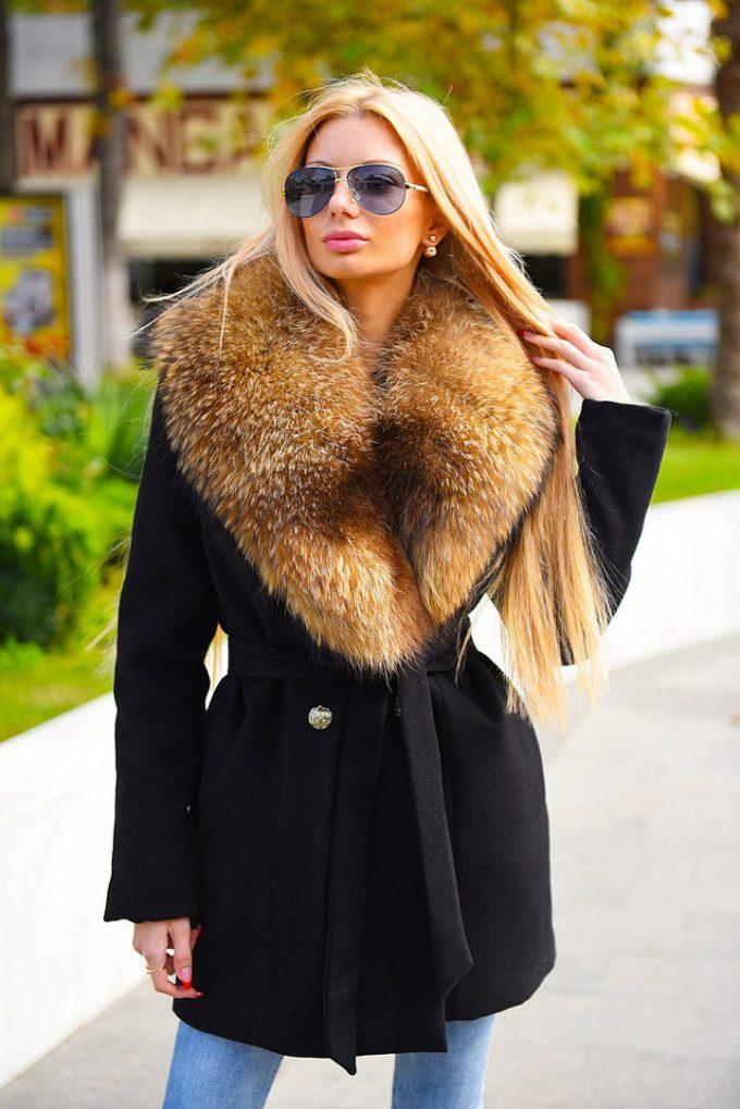 мех на пальто как украшение