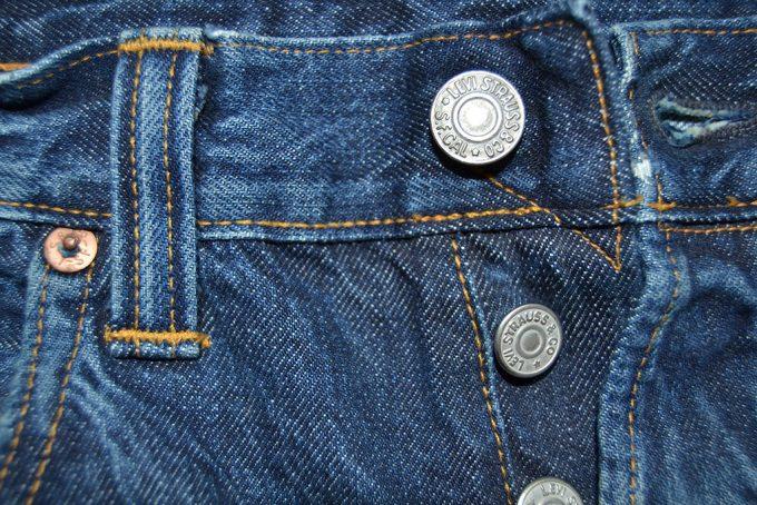 на одежде ровные качественные швы