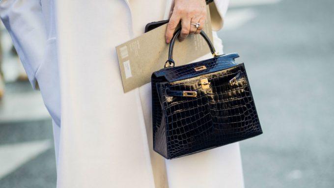 Как отличить подделку сумок и духов dior