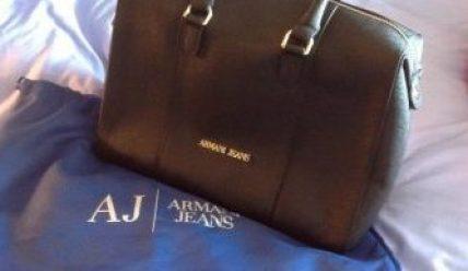 Способы, отличить оригинальные вещи Armani от подделки