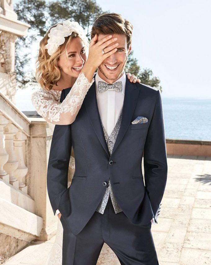 жилет с сочетанием свадебного костюма