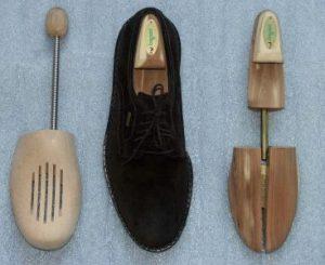 Способы, растянуть обувь, одежду из кожзама в домашних условиях