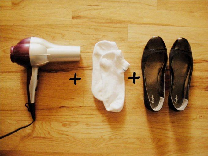 расширение обуви при помощи фена